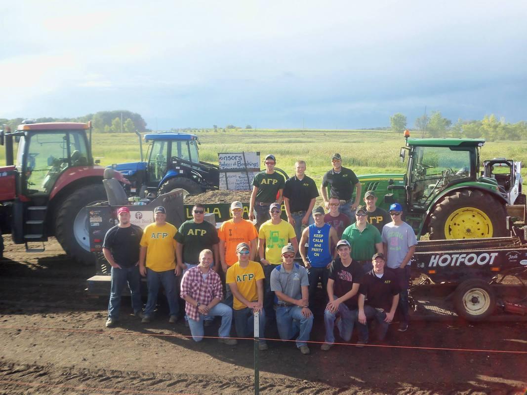 2014 Alpha Gamma Rho tractor pull