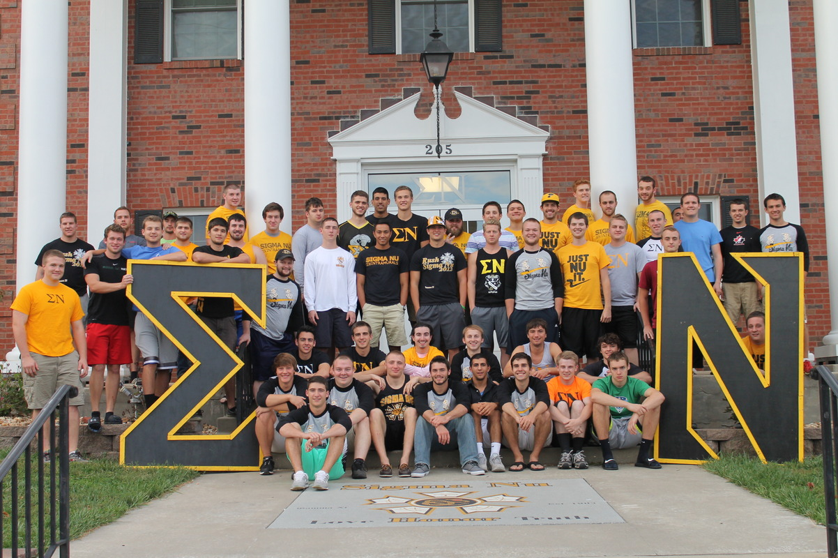 Sigma Nu Porch Picture