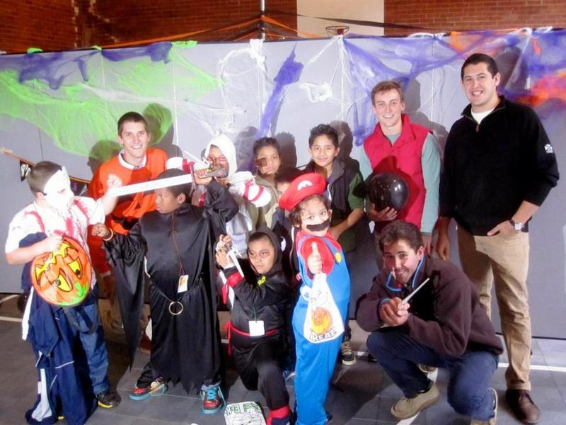 sae_ncth_community_service_2012_-_learn_works_halloween_service_event_-4.jpg