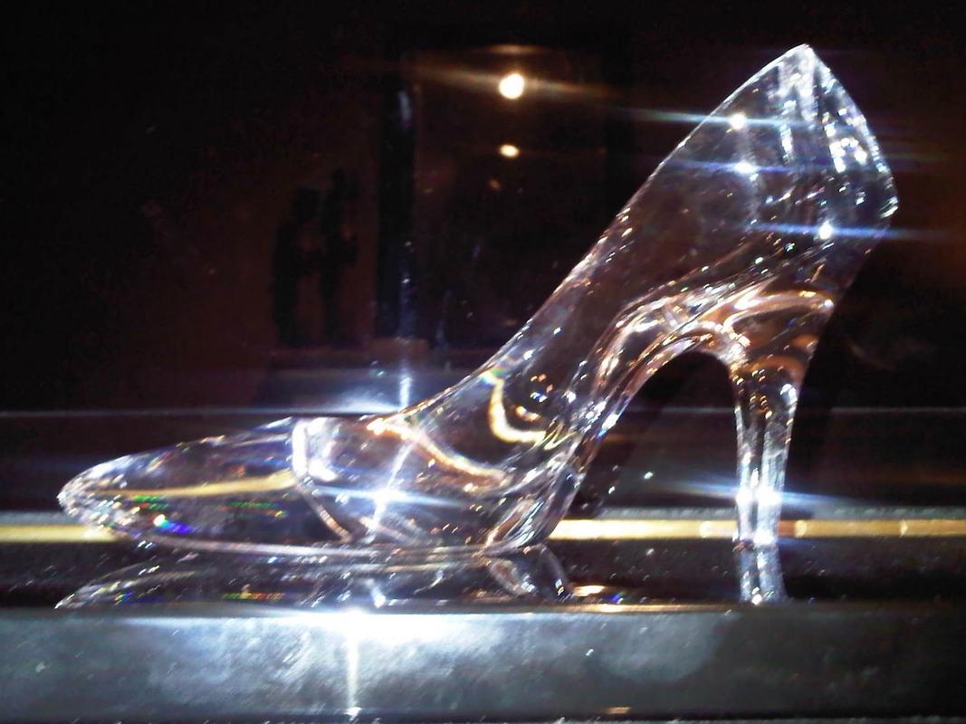 Alpha Kappa Alpha - Lambda Alpha Omega - Events - The Glass Slipper ...