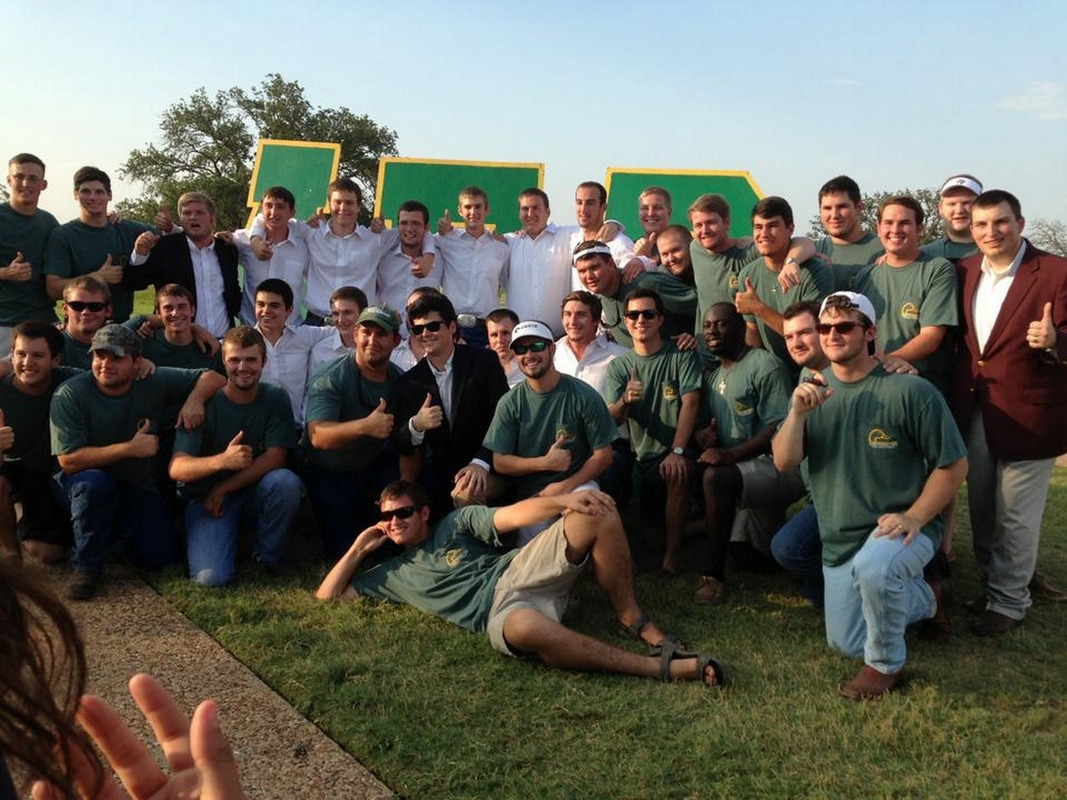 Bid_Day_Group_Picture_Fall_2013.jpg
