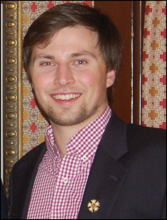 Eric D. Degen, ΘΚ 811, Commander