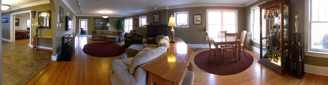 old_living_room_panorama.jpg